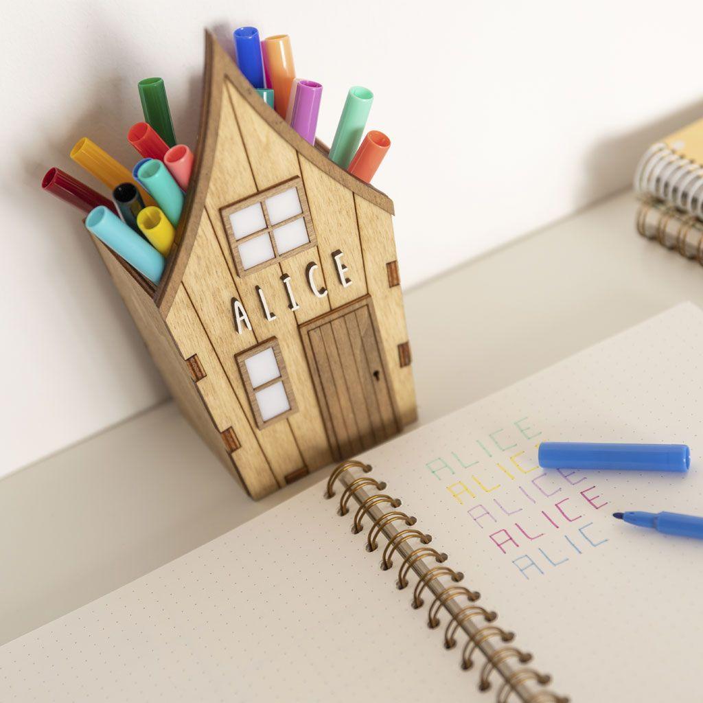 Porte-crayon personnalisé en bois